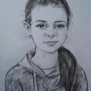 Портрет девочки. б. уголь, 30х40. 2013 г.